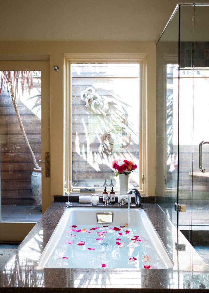 ทำบ้านใหม่ ติดหน้าต่างยังไง ถึงจะสวยงาม
